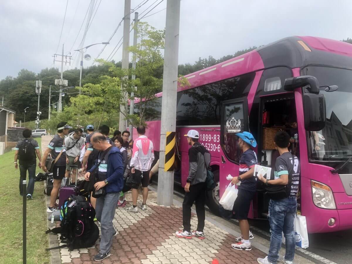 観光バスの写真
