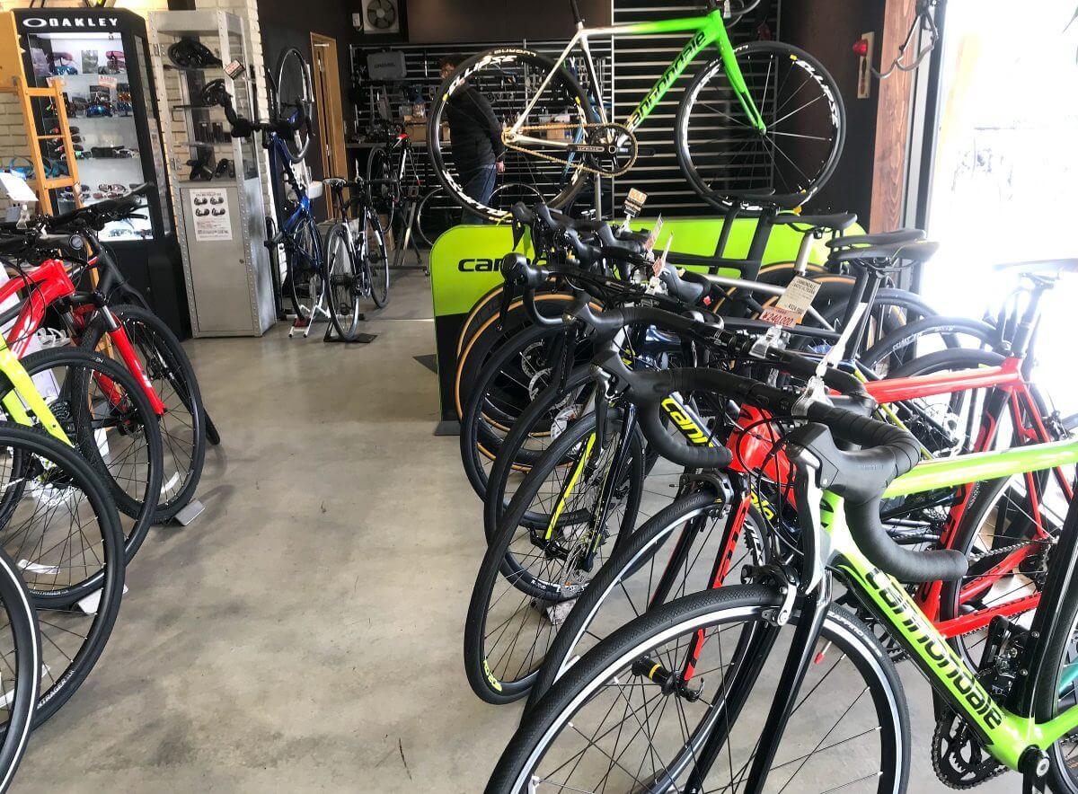 カミハギサイクル緑店店内(自転車)