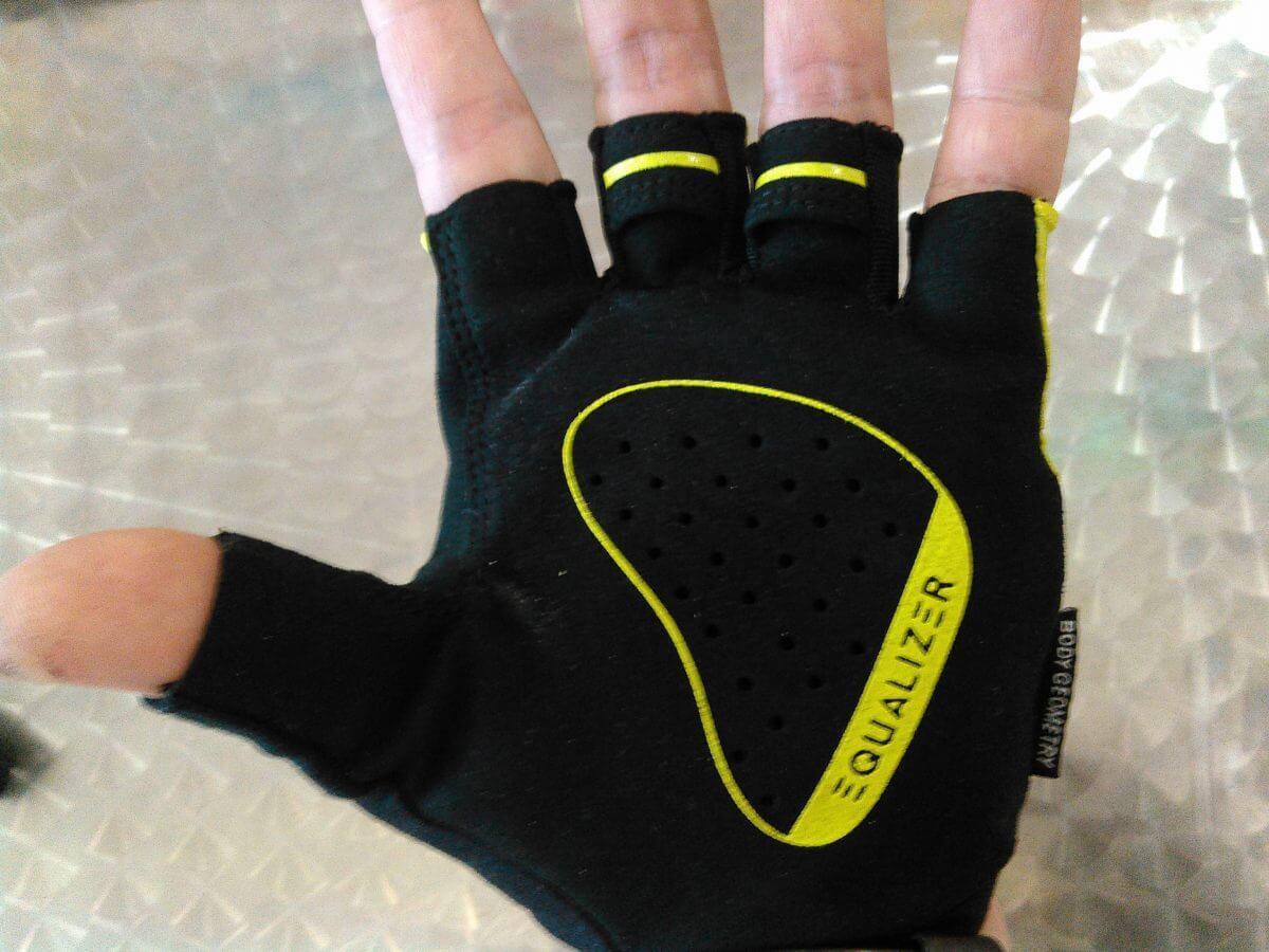 Body Geometry Grail Gloves手のひらの画像
