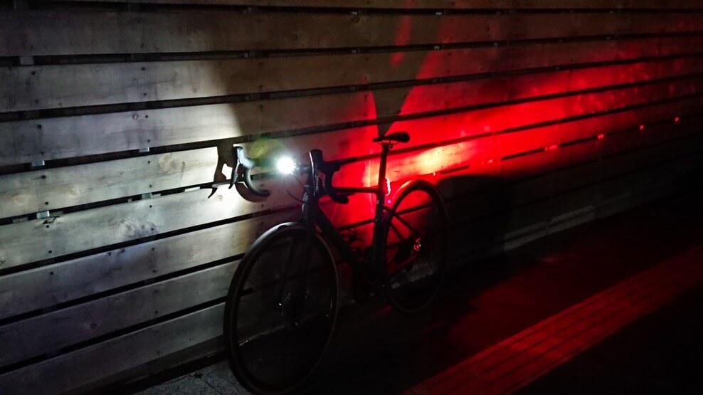 ライト点灯FLUX LIGHT